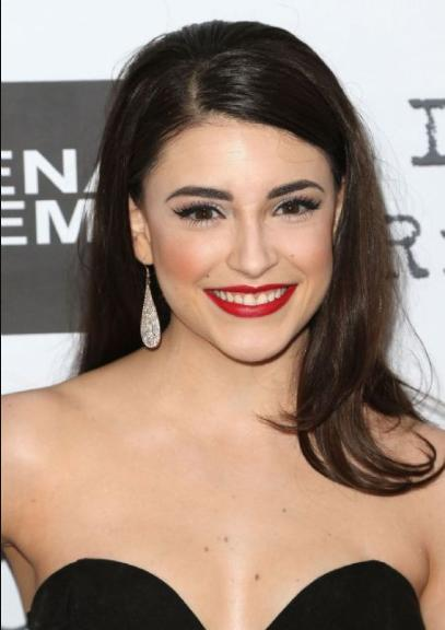 Daniela Bobadilla Death Fact Check Birthday Age Dead Or Kicking Daniela bobadilla (born april 4, 1993) is a canadian actress. daniela bobadilla death fact check