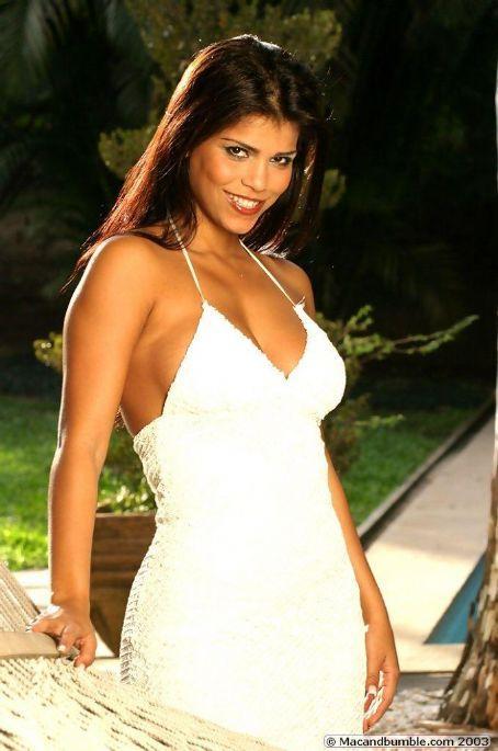 Viviane Castro Death Fact Check, Birthday & Age   Dead or